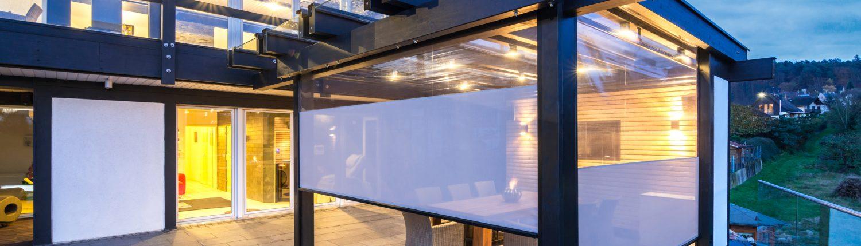 Terrasse mit zipSCREEN und Sichtfenstertuch 1 1500x430 - Leistungen